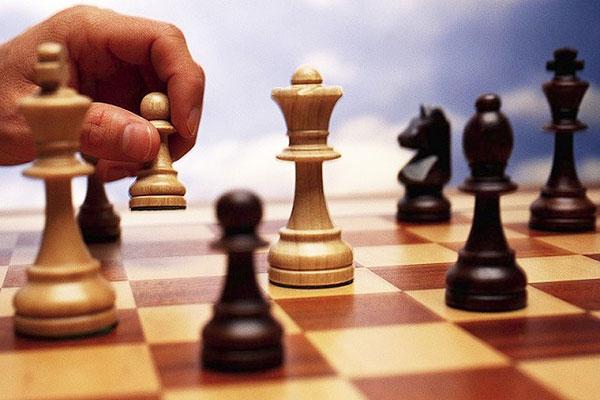 Встретили праздник за шахматной доской
