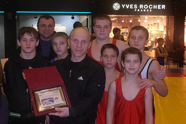Бронзовые награды сборной области принесли толочинские борцы