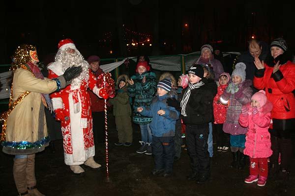 Резиденция Деда Мороза открылась в Толочине