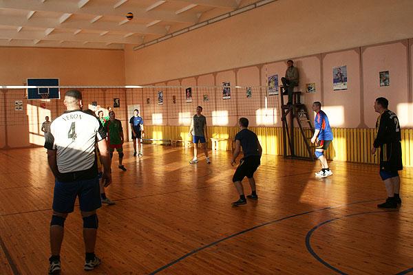 Волейбол: толочинский «КЛВ» не знает очковых потерь
