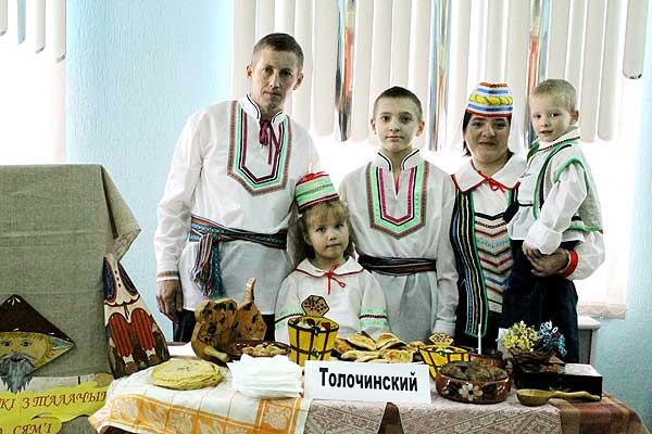 В числе лучших — и многодетная семья Молчановых из Толочина
