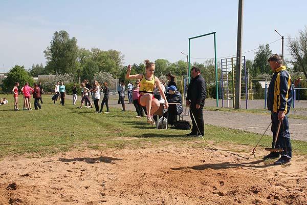 Соревновались легкоатлеты-школьники