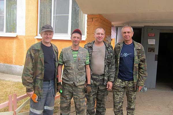 Быстро, надежно и качественно выполняют ремонт работники кохановского предприятия ЖКХ