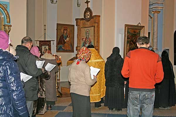 Избавиться от недуга поможет церковь