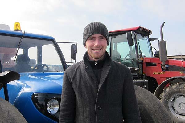 Каникулы в поле проводит студент БАТУ Дмитрий Тарасов