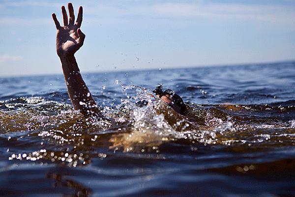 Могли и не всплыть: за минувшие выходные спасатели предотвратили гибель двух человек