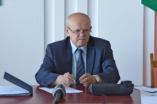 В поле зрения и человек, и его проблема: район посетил Председатель Комитета госконтроля Леонид Анфимов