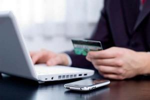 Экономьте время, погашая кредиты без очереди с помощью платежных карточек