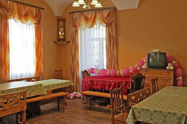 Жилое здание Свято-Покровского женского монастыря в Толочине наполнилось уютом, светом и теплом