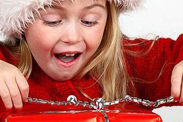 «Поможем детям!»: проходит сбор новогодних подарков