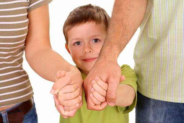Готовы предоставить ребенку свою семью и любовь? В Национальном центре усыновления будут рады помочь