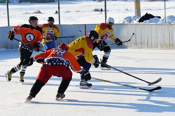 Толочинские хоккеисты в первенстве области стартовали с победы