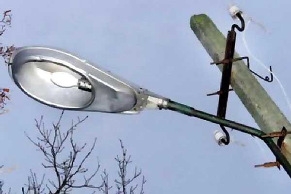 Уличное освещение: неоправданных расходов быть не должно