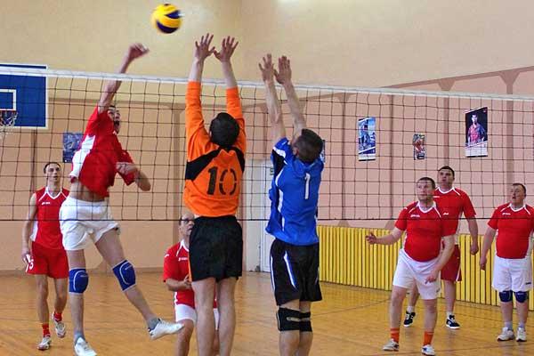 Волейбол: в первенстве района определились полуфиналисты