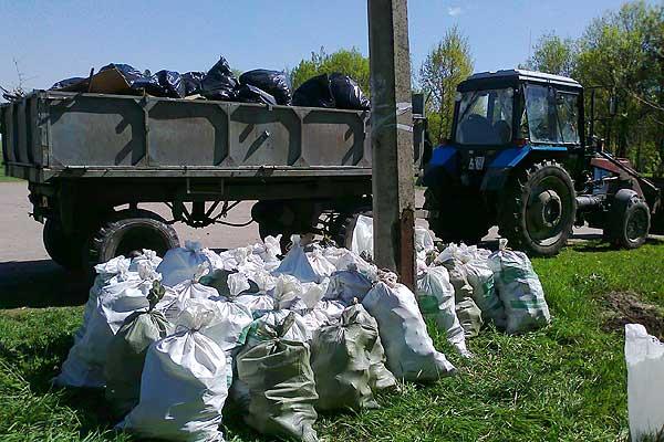 Для складирования мусора в Толочине и Коханово будут выставляться прицепы