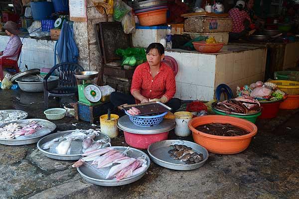 Жаба, курица, змея и крокодил на праздник: меню белорусов во Вьетнаме