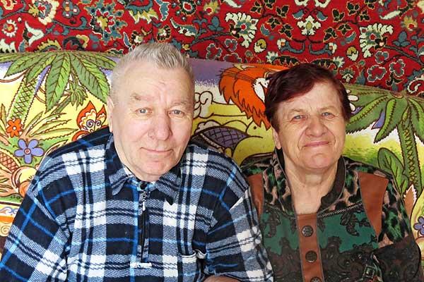 Более полувека живут в мире и согласии Валентин и Александра Крючковы