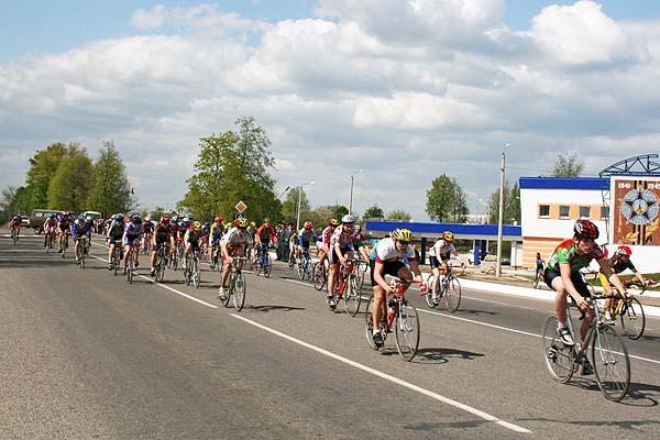 На улицы Толочина возвращается велогонка