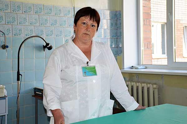 Более тридцати лет толочинская медсестра Инна Нефедова делится с людьми собственной кровью