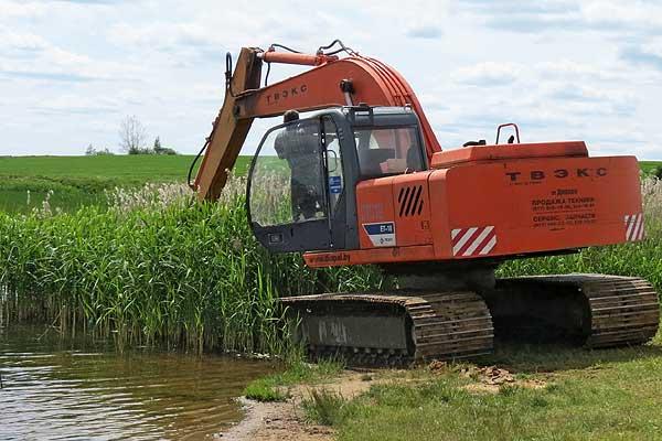 Береговая линия озера в районе крахмального завода расширяется