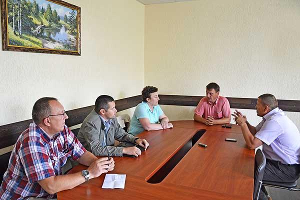 Коммунальщики обсудили вопросы водоснабжения и вывоза мусора