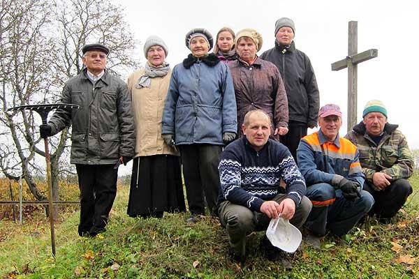 Вернікі касцёла ў Талачыне прынялі ўдзел у раённым суботніку