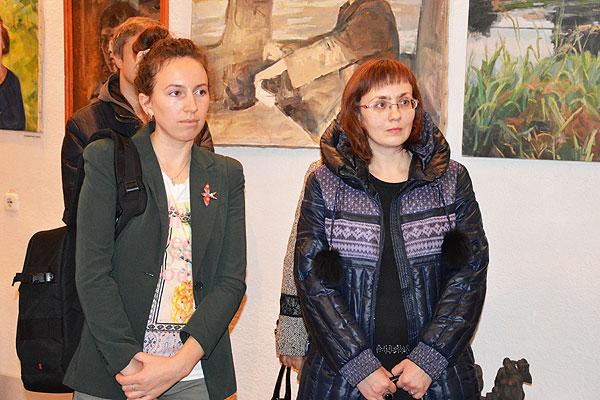 Своя душа в портрете каждом: в музее в Толочине развернута выставка работ местных художников