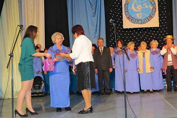 «Не считайте, девоньки, года свои…»: толочинские ветераны приняли участие в межрегиональном фестивале в Орше