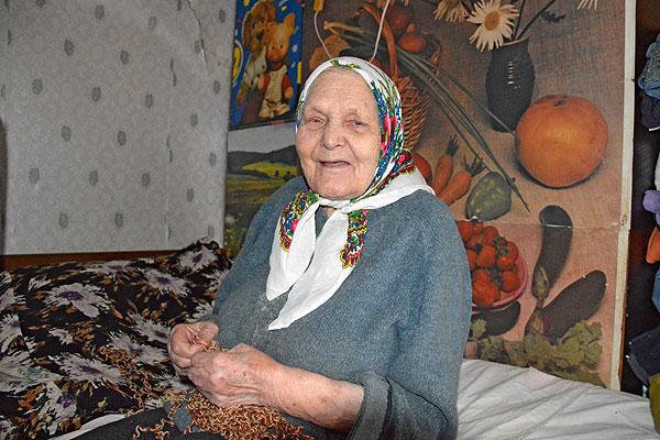 Век прожить — не поле перейти: жительница Молявки в первый день года отмечает 100-летний юбилей