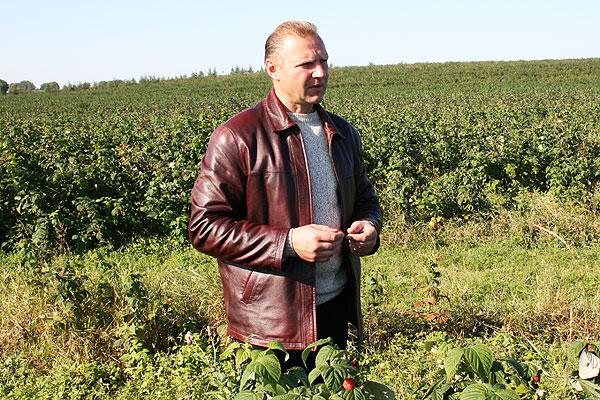 Виктор Булыгин растит в Толочине промышленный сад самого высокого технологического уровня