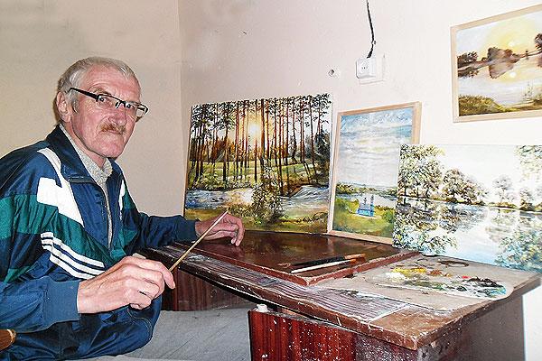 Картины Вячеслава Нестерова из Коханово вызвали интерес у посетителей выставки в Витебске
