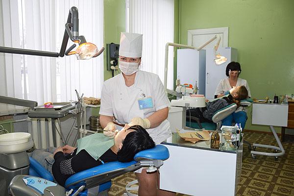 Толочинские стоматологи используют новейшие технологии в лечении и зубопротезировании
