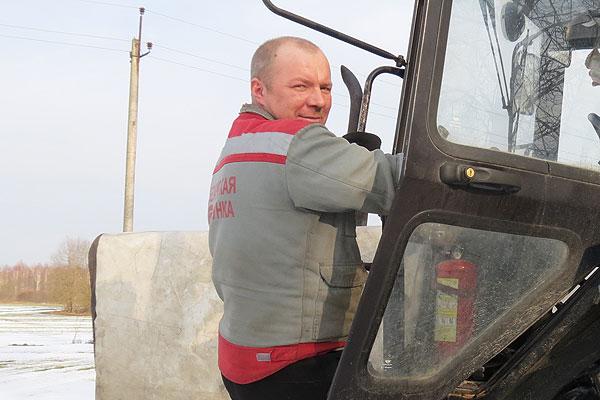 В хозяйствах Толочинского района начался подсев многолетних трав