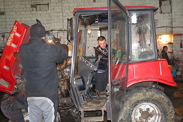 Где ответственность, там и отдача: различия в степени готовности техники к посевной в хозяйствах Толочинского района налицо