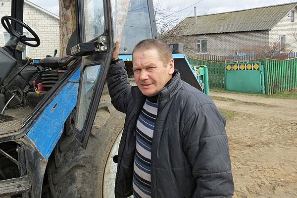Партрэт з Дошкі гонару: аболецкі механізатар Сяргей Жыдкін са школьнай парты — адразу на трактар