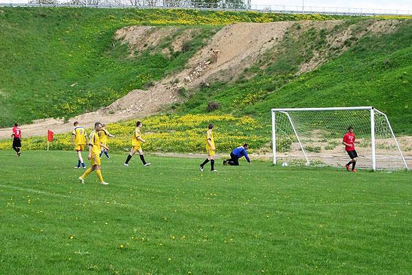 Толочинские футболисты в первенстве области стартовали с поражения