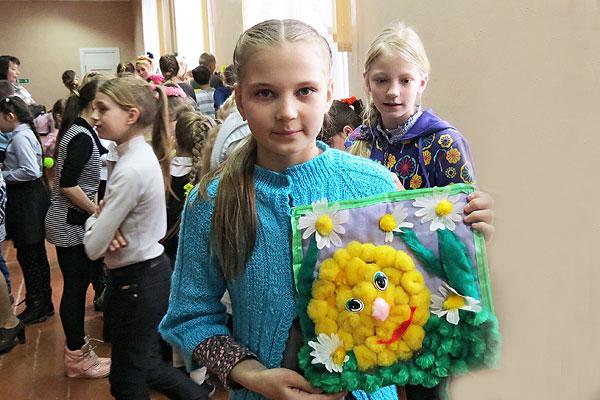 Толочинской пятикласснице Ангелине Локтик времени хватает на все