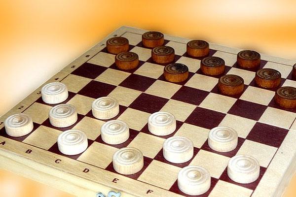 В Толочине сильнейших выявят юные шашисты