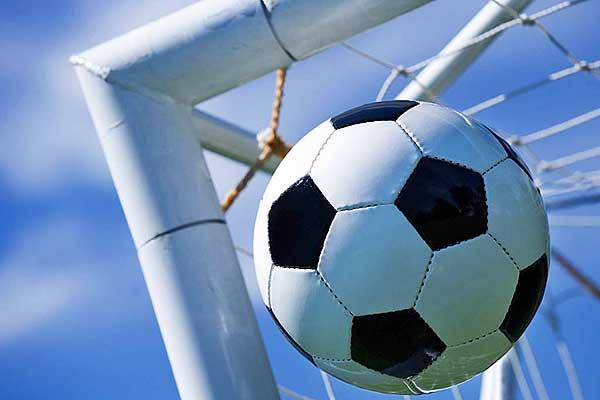 На старт первенства Толочинского района вышли футболисты