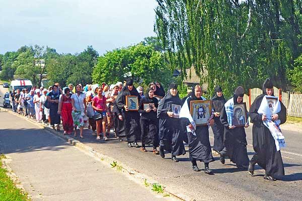 Каждый шаг — с молитвой: состоится крестный ход из Толочина в Друцк