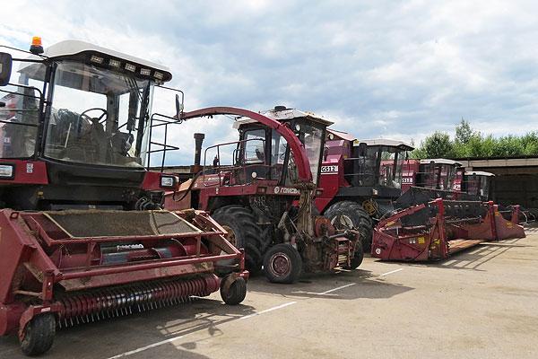 Подготовишь комбайн — сохранишь урожай: в Толочинском районе проведен техосмотр зерноуборочной техники
