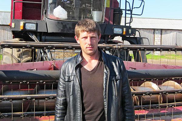 На кормозаготовке в Толочинском районе молодые механизаторы дают фору даже опытным