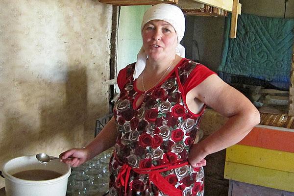 """""""Сладкая"""" жизнь: у Галины Павленко из деревни Забайкал около сорока пчелиных семей"""
