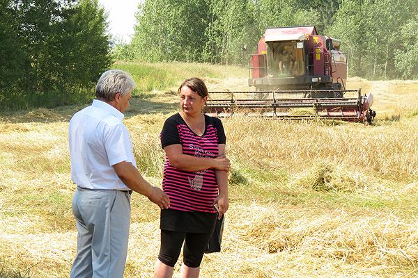 Старт взят: в Толочинском райагросервисе приступили к уборке зерновых