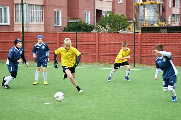 И поиграли, и пообщались: в Толочине состоялся турнир по мини-футболу на призы Георгия Кондратьева (+фото)