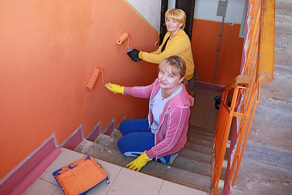 Пример для других: жильцы многоквартирного дома в Толочине отремонтировали свой подъезд