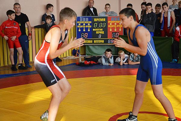 По две награды завоевали толочинские борцы на международных турнирах в Санкт-Петербурге и Березино