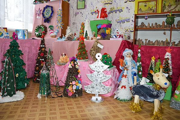Мозаика детского творчества: более двухсот работ школьников представлено на выставке в Толочине