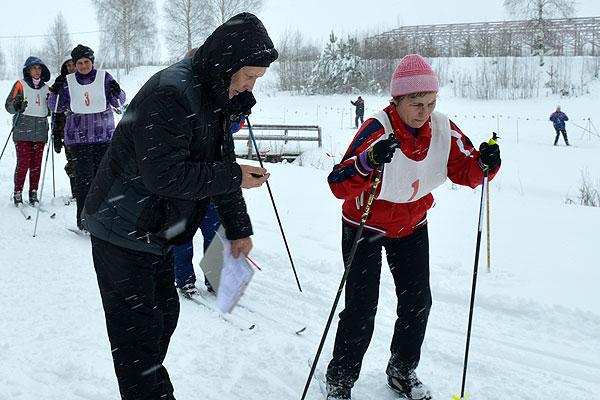 В Толочине лыжные гонки открыли программу районной спартакиады