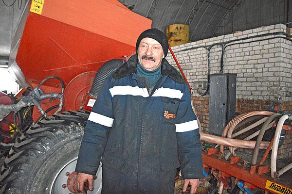 """Настрой — делу помощник: работы по ремонту техники в """"Обольцах"""" ведутся каждый день"""